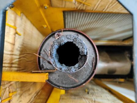 Tubo de escape de gases tóxicos